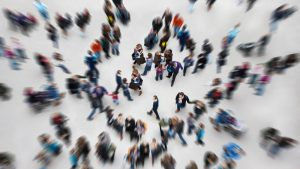 people_white_background_blurred_motion_80416_2048x1152.jpg