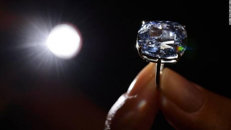 151112085109-blue-moon-diamond-1-super-169.jpg