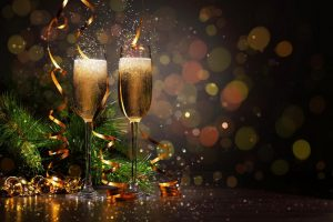 102765__trees-branches-tinsel-wine-glasses-champagne-drink-shade_p.jpg