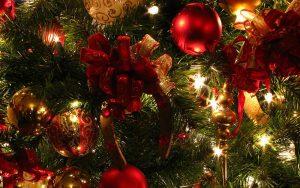 Christmas_tree_decorations_in_Disneyland.jpg
