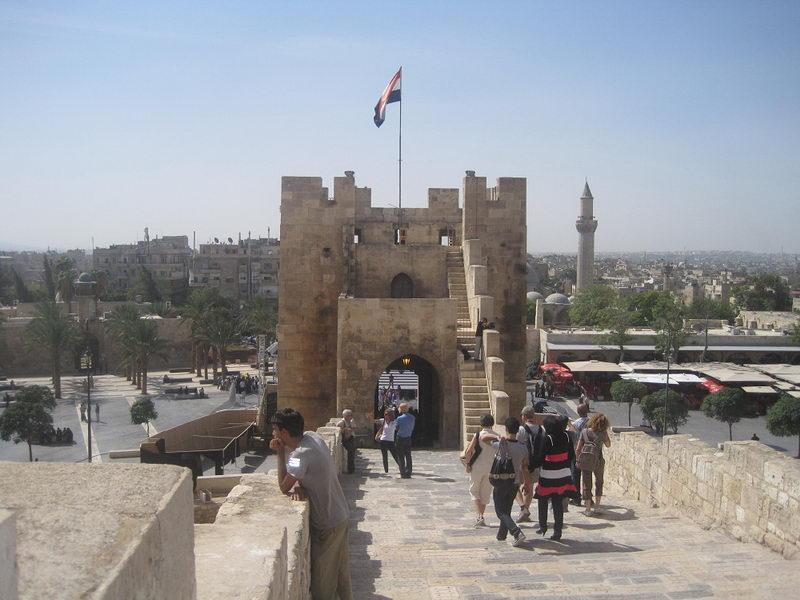 Aleppo-castle-2010.jpg