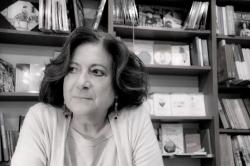 Τίτσα Πιπίνου: ένας Άσσος στην περιουσία της Ρόδου, της Τζίνας Δαβιλά