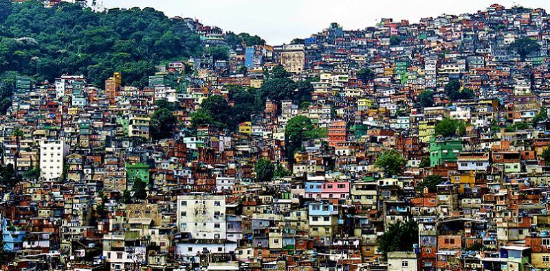 favela-longshot.jpg