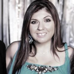 Άντα Ηλιοπούλου: Δημοσιογραφική καριέρα 22 Καρατίων, της Τζίνας Δαβιλά