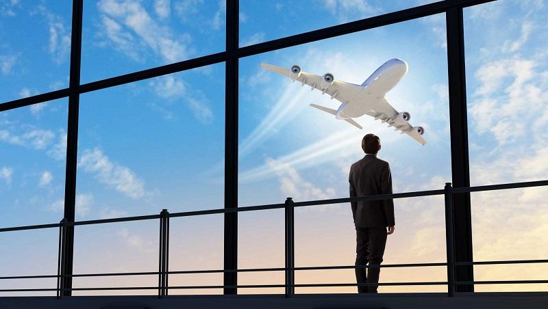 airplane-traveller.jpg