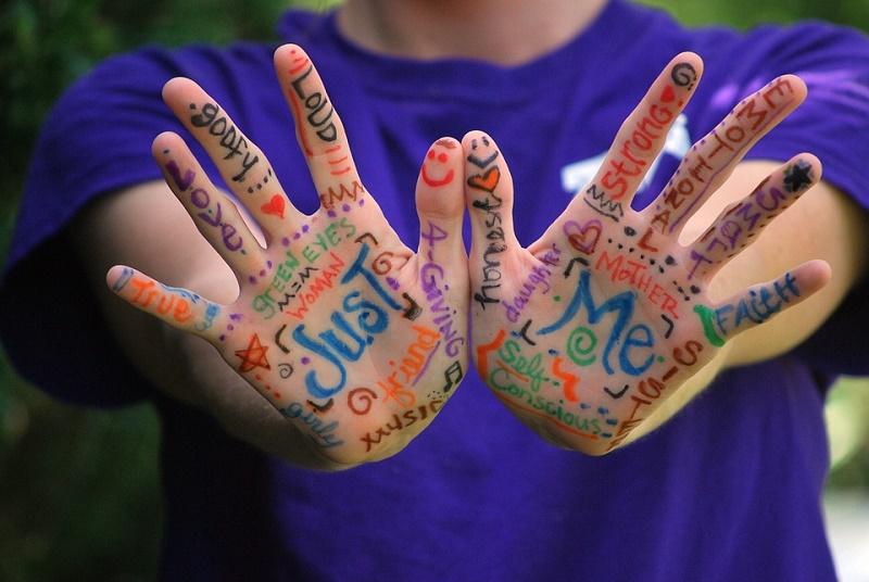hands-423794_960_720.jpg