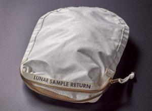 Apollo_11-bag.jpg