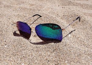sunglasses-2523803_960_720.jpg