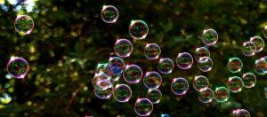 soap-bubbles-2417436_960_720.jpg