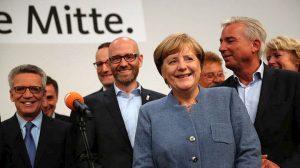 w25-73218GERMANYELECTIONS2017-Merkel.jpg