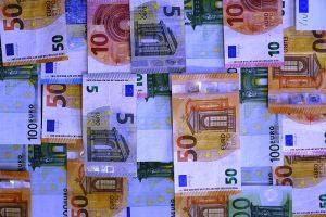 money-2991388_960_720.jpg