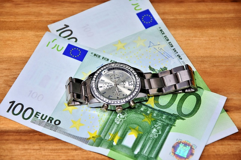 money-3033605_960_720.jpg